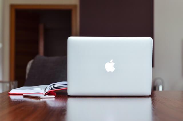 Appleのmacbookと文献