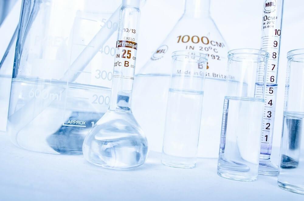 実験用のガラス器具類