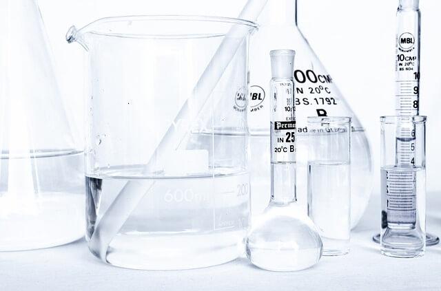 ガラス実験器具(ビーカー・メスフラスコ・メスシリンダー・三角フラスコ)