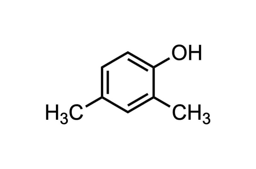 2,4-ジメチルフェノールの構造式