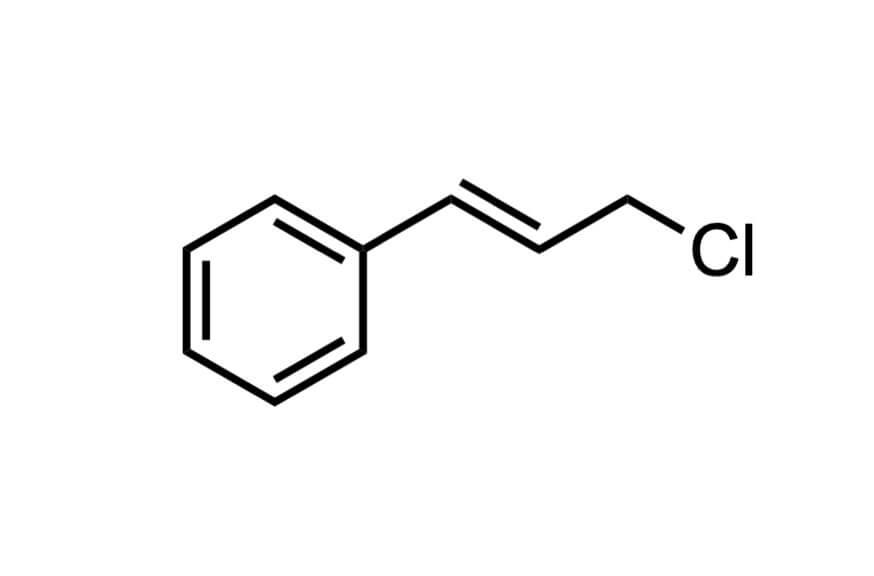 シンナミルクロリドの構造式