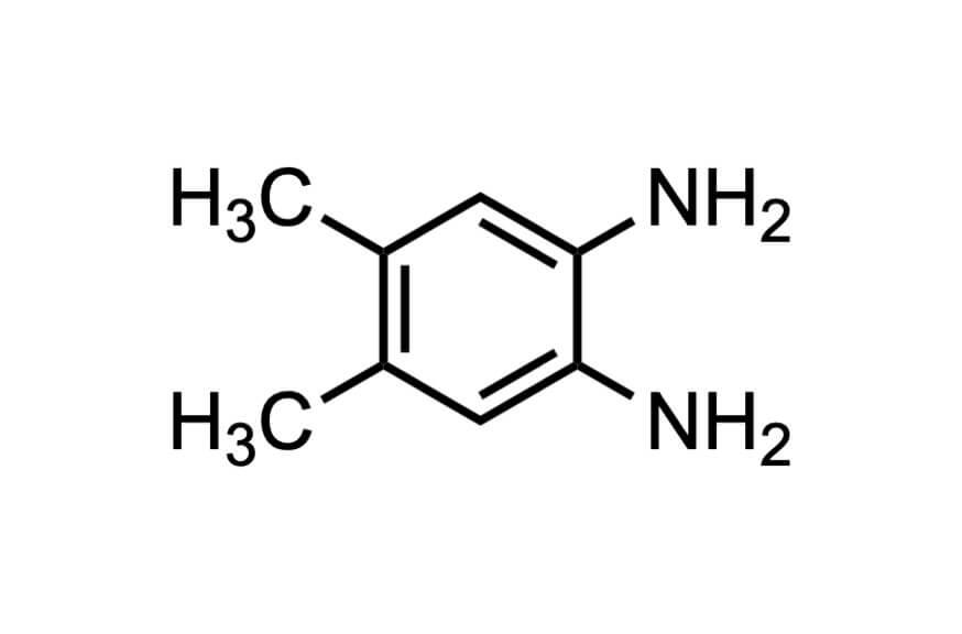 4,5-ジメチル-1,2-フェニレンジアミンの構造式