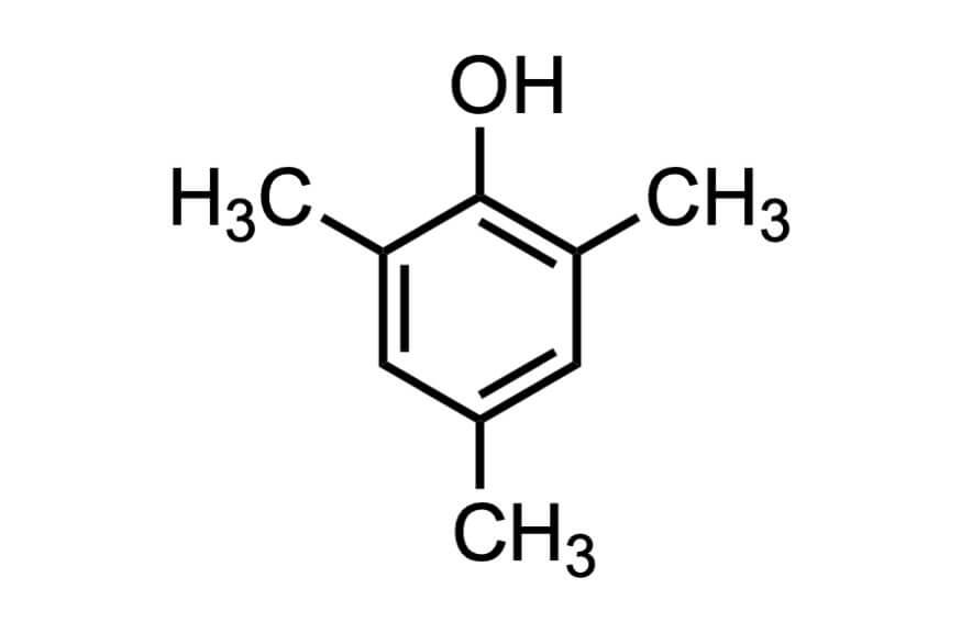 2,4,6-トリメチルフェノールの構造式
