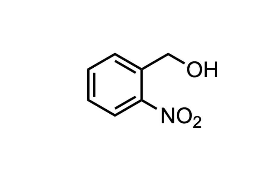 2-ニトロベンジルアルコールの構造式
